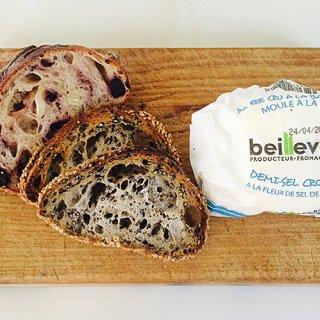 【フランス土産】風味豊かな発酵バターは、ついたっぷり食べてしまう禁断の味わい