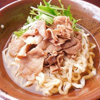 「伝統の味を超えたい」その思いが作り上げた「ぬーべるあーぐぅ」の沖縄そば