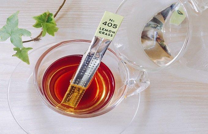 スティックにお湯を注いで3分待つだけで本格紅茶が味わえる『セレビティー』