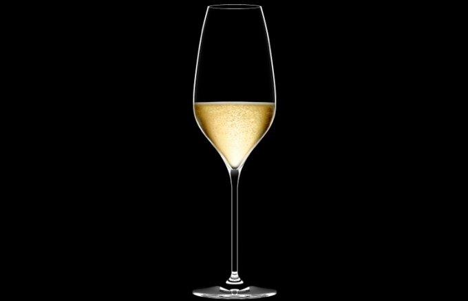 多彩なシーンに最適化された究極のシャンパーニュ専用グラス誕生!
