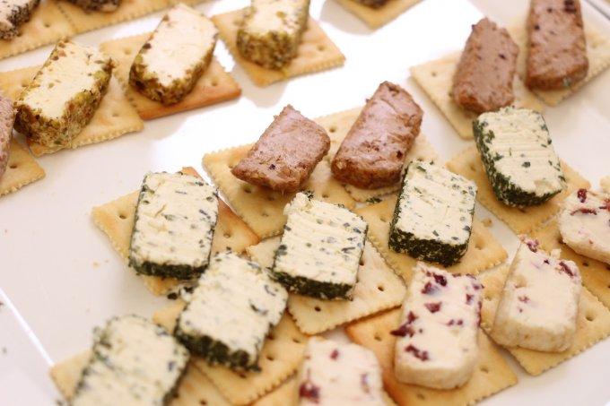 簡単カナッペも!オーストラリアのフレーバークリームチーズ「MOONDARRA」