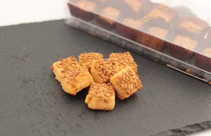 プチプチした食感がクセになる!美味しくて身体にも嬉しい「ローストアマニ粒」