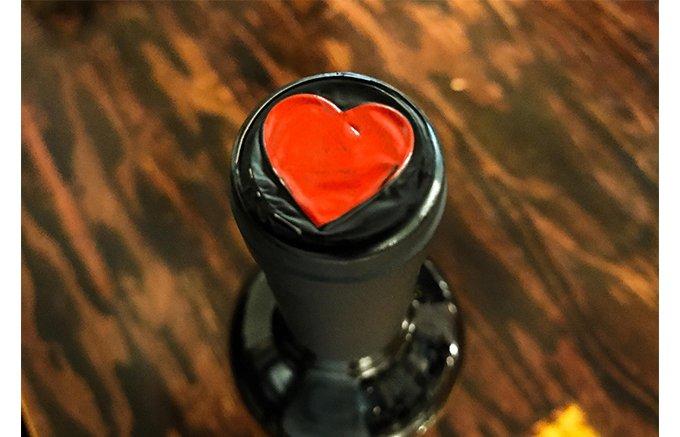 イニエスタが手掛けるワイン「ボデガ・イニエスタ コラソン・ロコ」