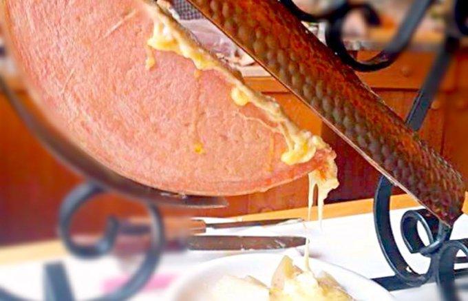 チーズ好きなら一度は味わいたい!とろ~り溶かして楽しむ人気のチーズ5選