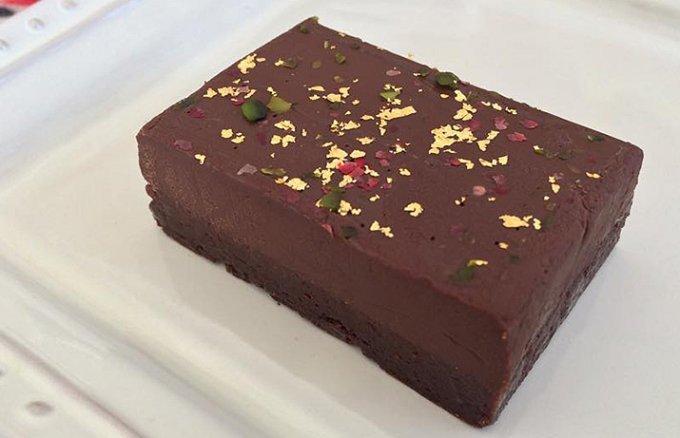 舌触り・濃厚さ・見た目の何もかもが完璧なチョコレート菓子「ガトーショコラ」