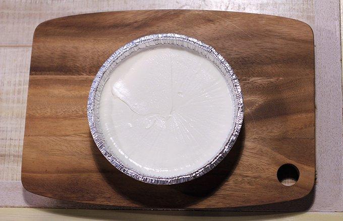 30年以上愛される絶品チーズケーキ!ベイクドとレアを同時に味わうとろける美味しさ