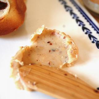 トーストでアーモンドスプレッドを美味しく食べるお勧めの方法は?!