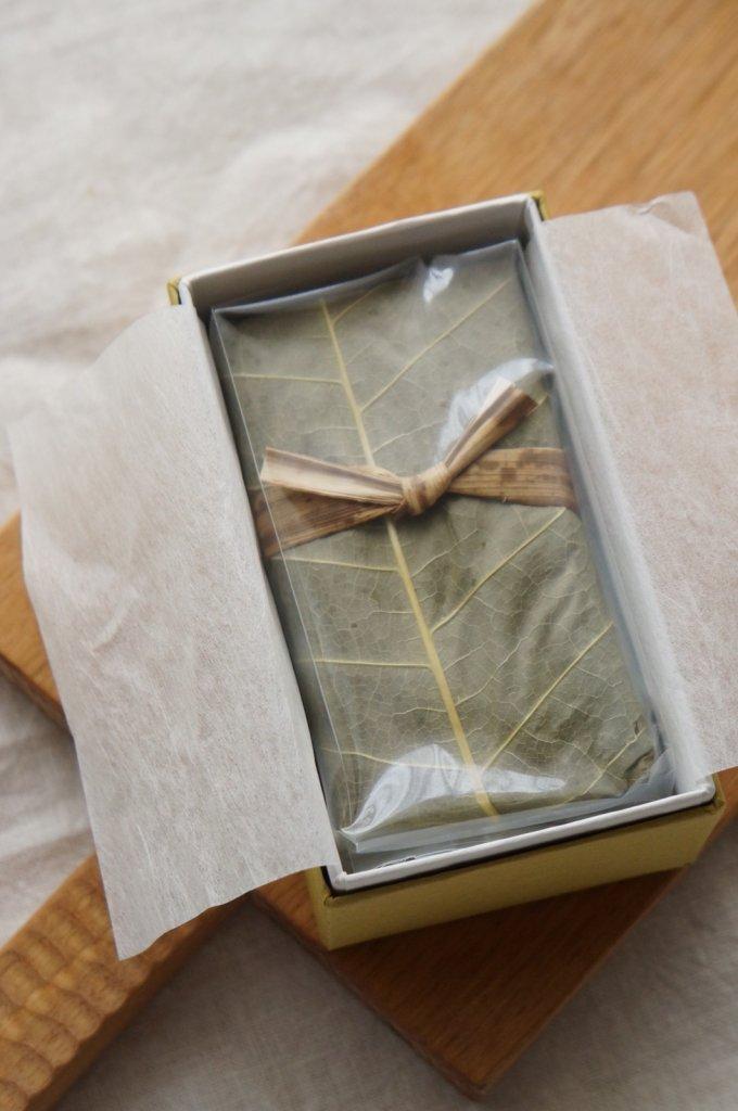 栗きんとんがぎっしり詰まった贅沢羊羹!朴の葉が香る、恵那川上屋の「くり壱」