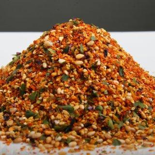 国産スパイス7種がワイルドにぶつかり合う『三色香辛料』の「純国内産七味唐からし」