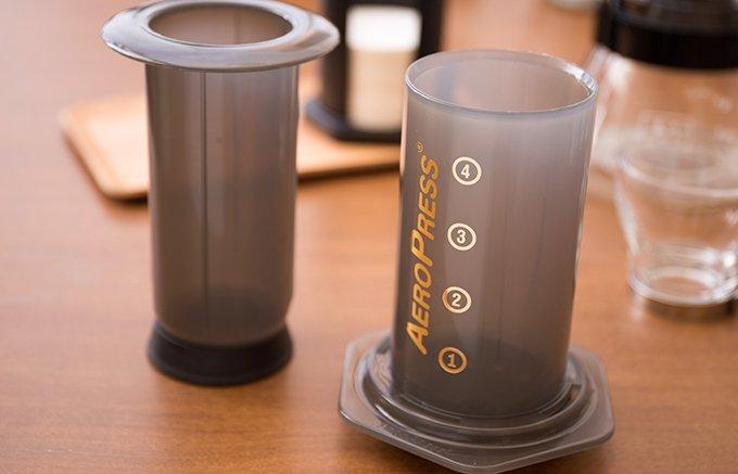 まるでエスプレッソ!?手軽に楽しめるちょっと変わった抽出器具『エアロプレス』