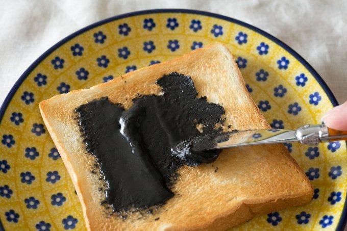黒ごまの濃厚スプレッド登場! なめらかテイストが新感覚&至極便利