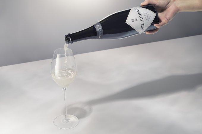 優しく、柔らかく、心地よい。美発泡なラグジュアリー日本酒「白奏」
