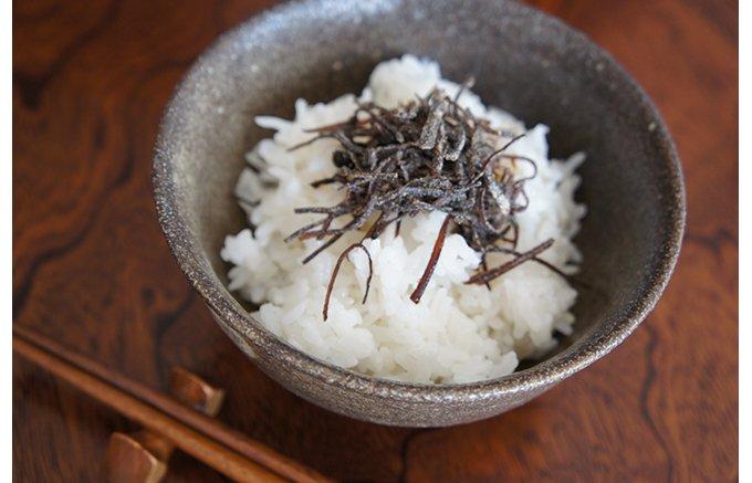 炊き立てのごはんにのせていただきたい料亭の塩昆布「小松こんぶ」