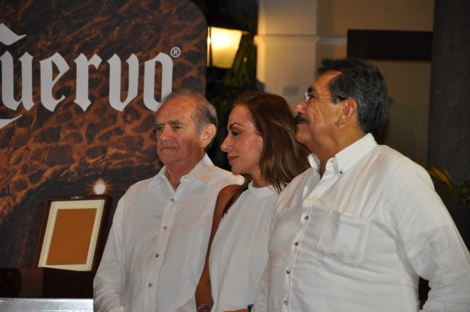 テキーラの歴史と共に歩むクエルボ社の代表ブランド「1800」