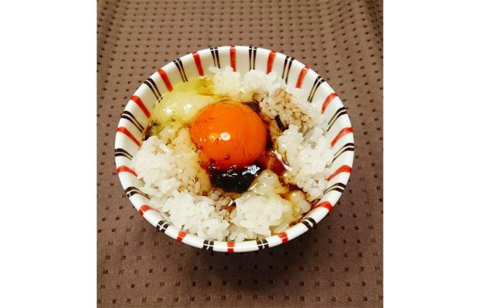 濃厚な磯の香りは想像を超え、卵かけごはんが上等な日本料理に昇格する「あおさ醬油」