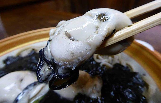 宮崎の老舗蕎麦屋で味わう口福な「おとなの苺大福」はイチゴ一会