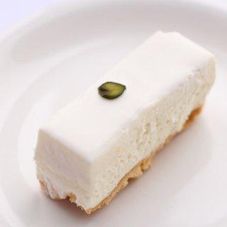 ずっと変わらぬ味で私を待っていてくれる。赤坂しろたえの「レアチーズケーキ」