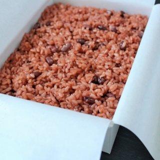 お祝いの席で喜ばれる虎屋の特別注文「赤飯」