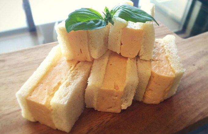フワフワの出汁巻玉子をフワフワのパンでサンドした新食感!「天のや」のたまごサンド