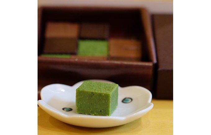 年上の上司へのバレンタインにおすすめ!日本製の高級チョコレート5選