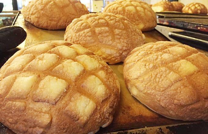 発酵の常識を超えた!浅草で出会った口どけ最高のメロンパン