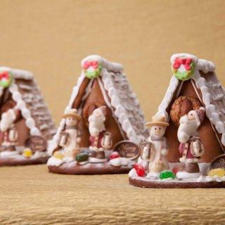 可愛いジンジャーブレッドハウスで祝う北欧ノルウェーのクリスマス