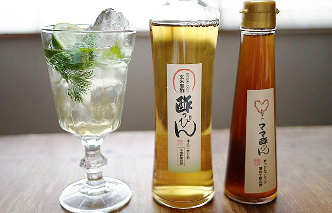 熊本やつしろの菜の花畑からの贈り物。毎日続けたい飲む「玄米黒酢」、「トマト黒酢」