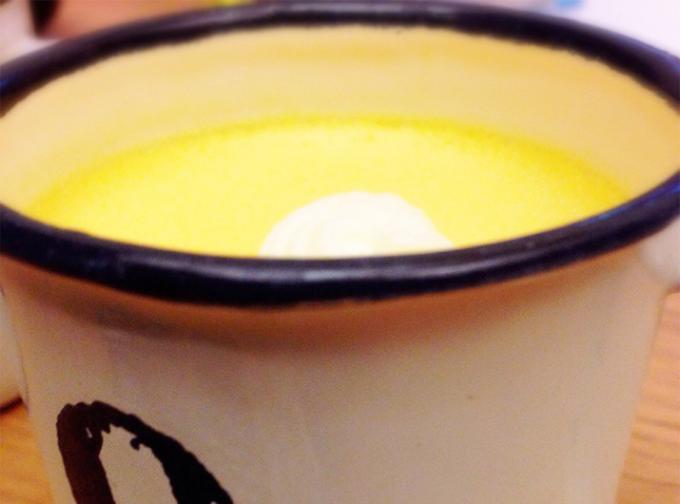 とびっきり可愛い、ホーローマグカップ入りプリン