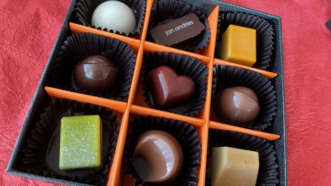 バレンタインシーズンにしか買えない!宝石箱のようなベルギー王室御用達チョコレート