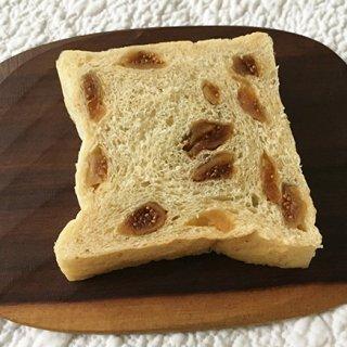 水曜日の午後だけ販売!手作りの良さを伝えたい、『ルクリア』のパン