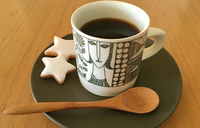 20年以上のベテランロースターが淹れた格別な「トモノウコーヒー」のアイスコーヒー