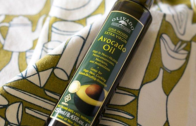 オリーブオイルと使いわけよう!果肉をじっくり搾ったアボカドオイル