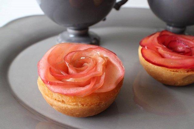 りんごのお味とバラの表情が絶妙な信州安曇野生まれのアップル&ローゼスタルト