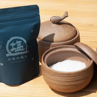 「土佐の塩丸」2代目が作る極上の天日塩