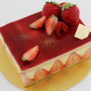 クリームの甘さとイチゴの酸味がたまらない!アディクト オ シュクルの「フレジエ」
