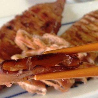 北海道産のスルメイカをにんべんの「つゆの素」で仕上げた「いかのぽっぽ焼き」