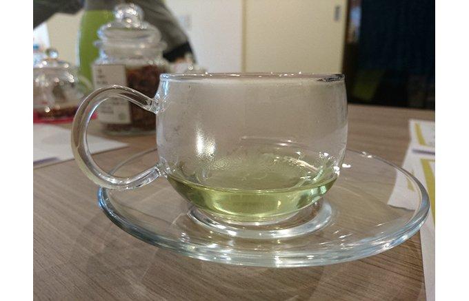 漢方茶の旨味でカラダがスッキリと