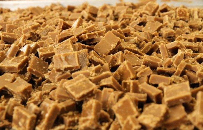 すっきりとした甘みと深いコク!旬の原料だけで作られた純度 100%の黒砂糖