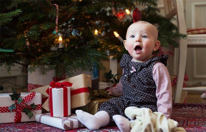 盛りだくさんの料理とお菓子で祝うスウェーデンのクリスマス