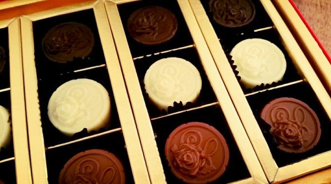 シェリー酒品揃え世界一でギネス認定された銀座しぇりークラブのシェリー酒入りチョコ