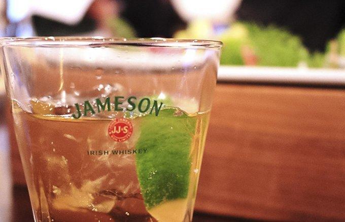 糖質ゼロ、プリン体もほぼ含んでいない人気急上昇中「ハイボール」で飲みたいお酒3選