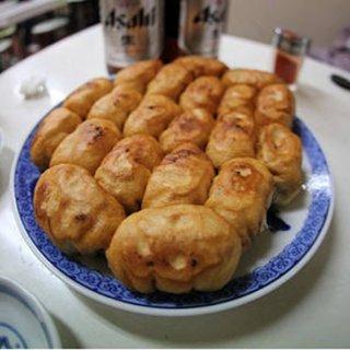 生地はまるでフランスパンを揚げたよう!具材は野菜たっぷりの「ファイト餃子」
