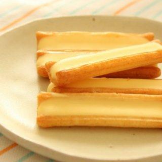 チーズあられともチーズおかきともいわない『柳橋逸品会』の「チーズスティック」
