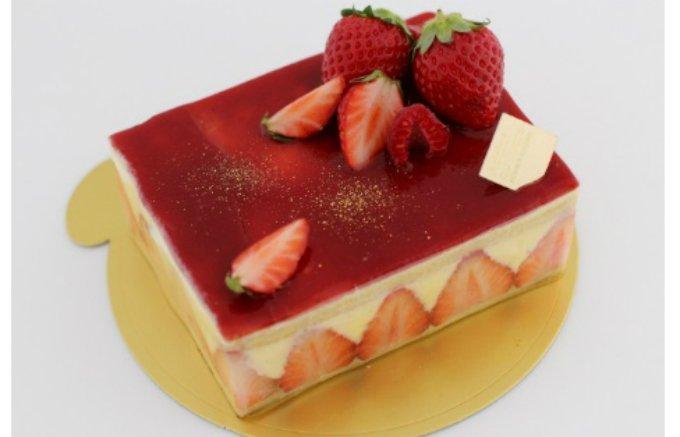 """やっぱり""""まるごと""""がうれしい!記念日のお祝いにふさわしいしっとり大人ケーキ"""