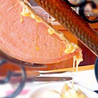 テロワールにこだわるチーズ造りから生まれた とろとろ熱々チーズ「ラクレット」