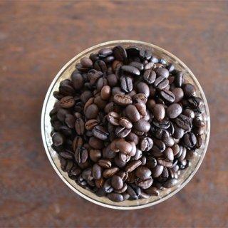 珈琲豆と対話しながら焙煎する。高い技術から完成した「カリブブレンド」