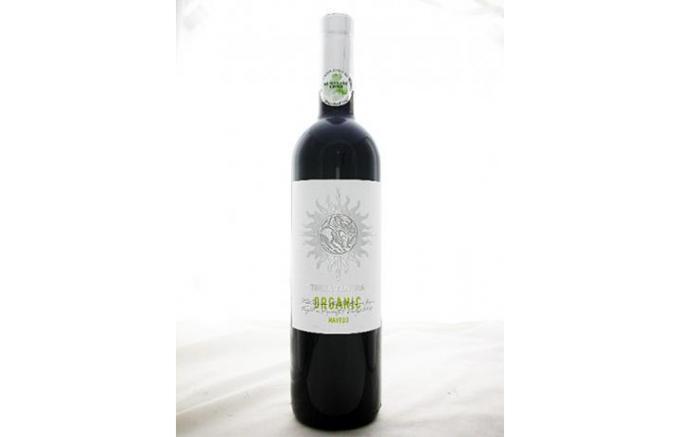 「奇祭」とネットでも話題!自家製ワインを振舞うブルガリアの「クケリ」