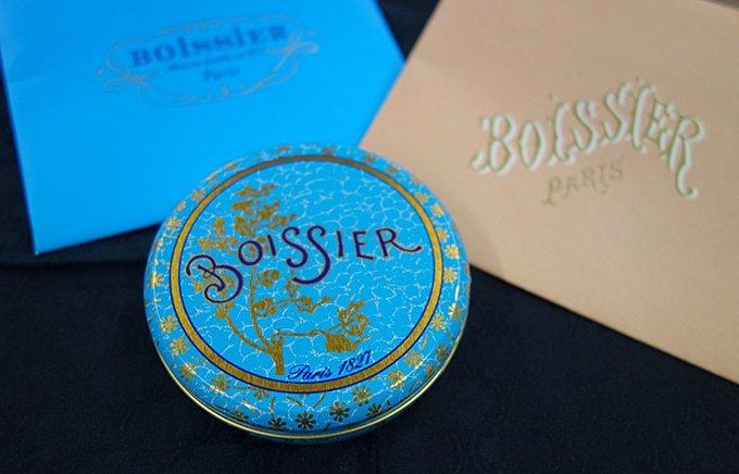贈り物は記憶に残るフランス老舗「メゾン・ボワシエ」の花びらチョコレート