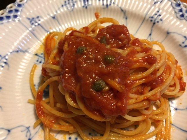 料理の味を引き締めるシチリア産の最高級ケーパー
