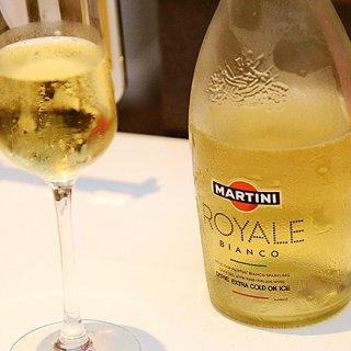 おしゃれに乾杯!ホームパーティーにぴったりな乾杯ドリンク